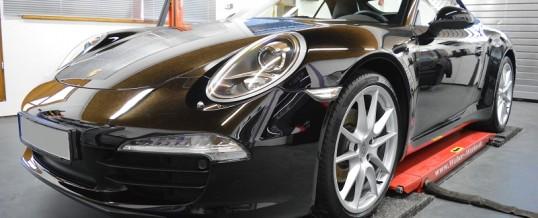 Aufbereitung Porsche 911 in Unischwarz.